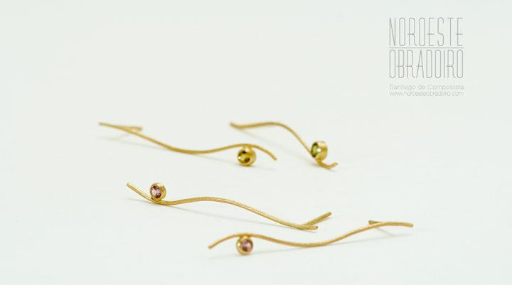 pendientes de oro y gemas de joyería Noroeste Obradoiro en Santiago de Compostela, Galicia