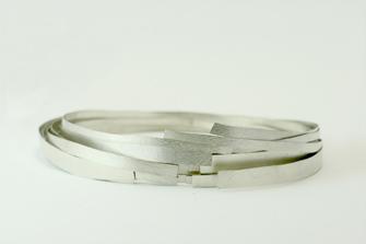 collar de plata diseño de autor hecha a mano por Joyería Noroeste Obradoiro en Santiago de Compostela, Galicia