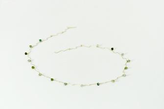 collar de oro y gemas diseño de autor hechos a mano por Joyería Noroeste Obradoiro en Santiago de Compostela, Galicia