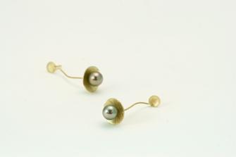pendientes de oro y perla en Santiago de Compostela