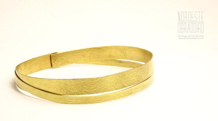 Gold Bracelet designed by Noroeste Obradoiro in Santiago de Compostela, Galicia
